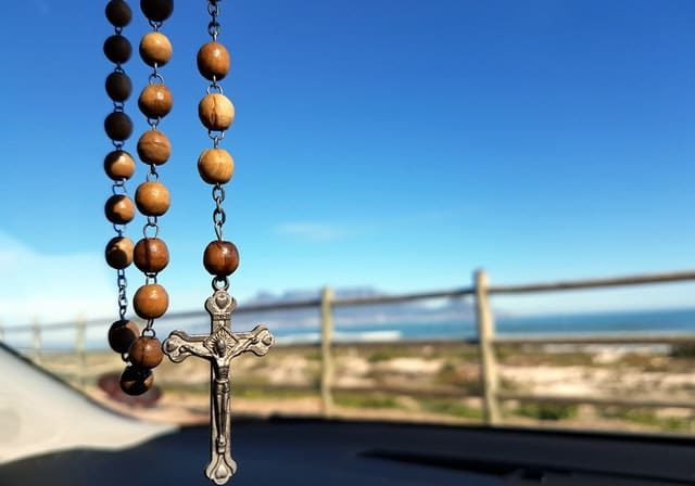 Selective Focus Photo Of Brown And Silver Rosary 208425